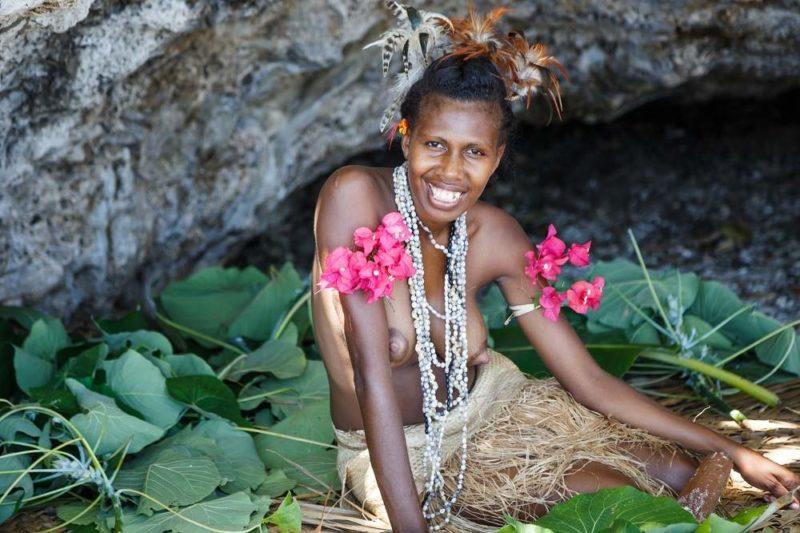 Femme du peuple smol namba sur l'île de Malekula - Vanuatu | Au Tigre Vanillé