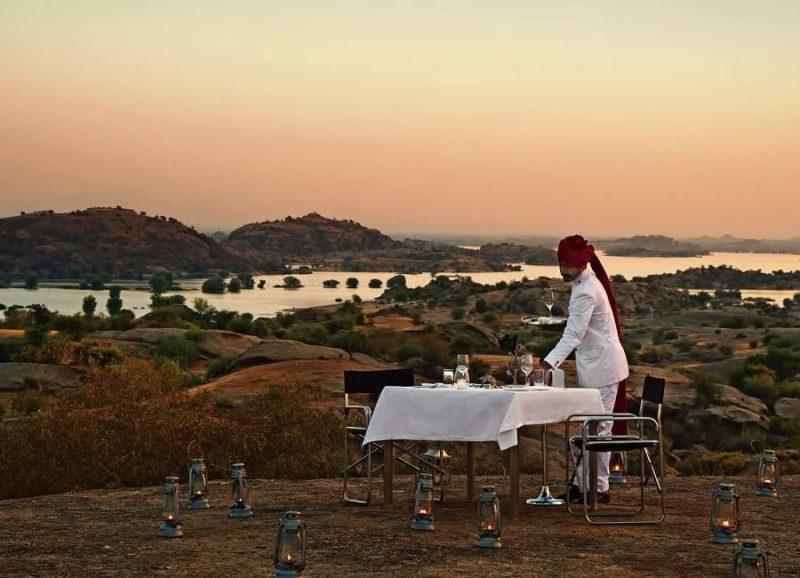 Diner sous les étoiles au Jawai Leopard Camp - Rajasthan, Inde | Au Tigre Vanillé