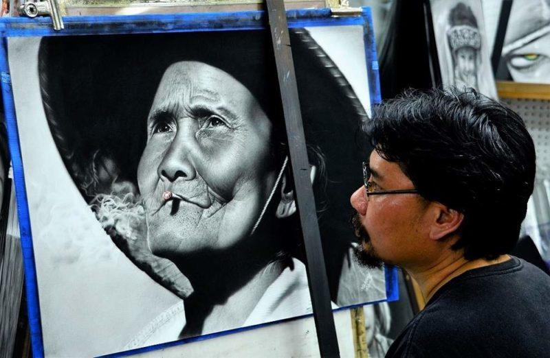 Artiste-photographe dans la rue à Chiang Mai - Thailande   Au Tigre Vanillé