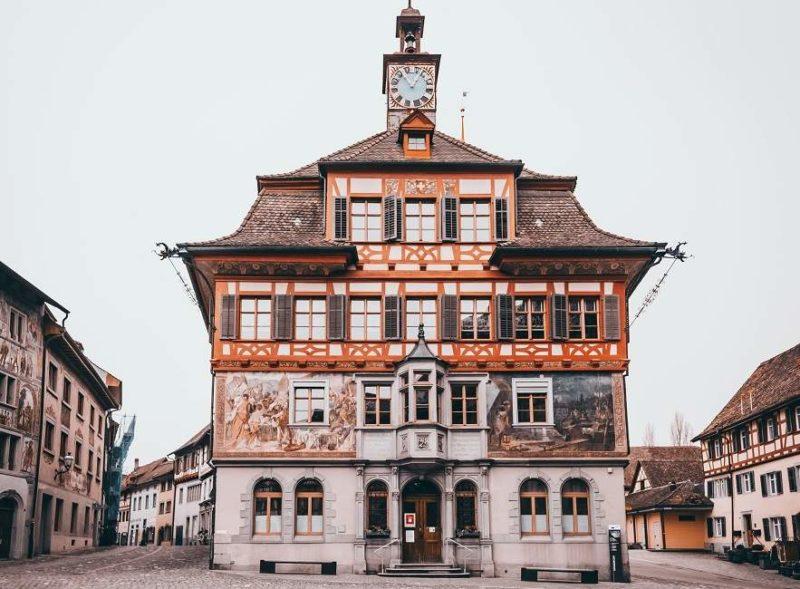 Se promener dans le village traditionnel de Stein-am-Rhein - Suisse | Au Tigre Vanillé